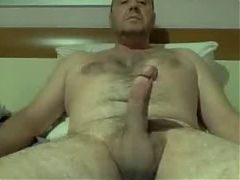 Hairy Daddy jerking^18:47